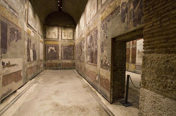 Caesar's Palace VIP Tour with Colosseum, Roman Forum and Palatine