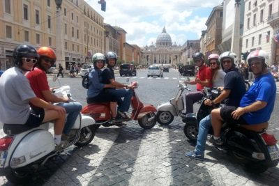 Classic Rome Tour with Vintage Vespa (1).jpg