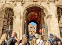 Skip the Line Tour  Colosseum, Roman Forum and Palatine Hill (17).jpg