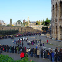 Skipt the Line Colosseum with Omnia Card - People in the long queue at Colosseum.JPG
