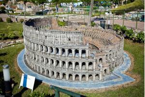 Colosseum Miniature