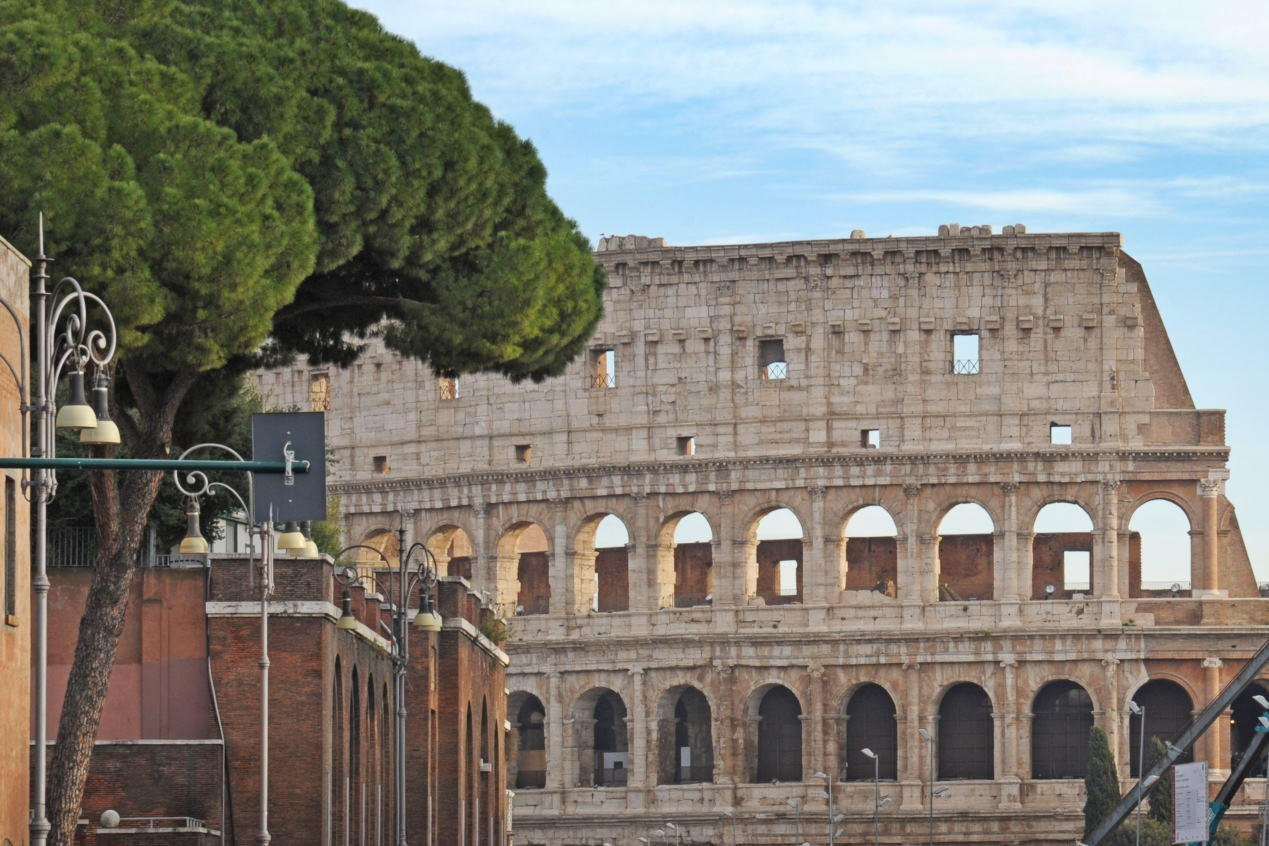 Colosseum ( Colosseo ) - Unesco historic roman ruines