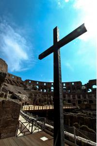 Cross of the Colosseum ( Coliseum, Colosseo ,also known as the Flavian Amphitheatre ) (2)