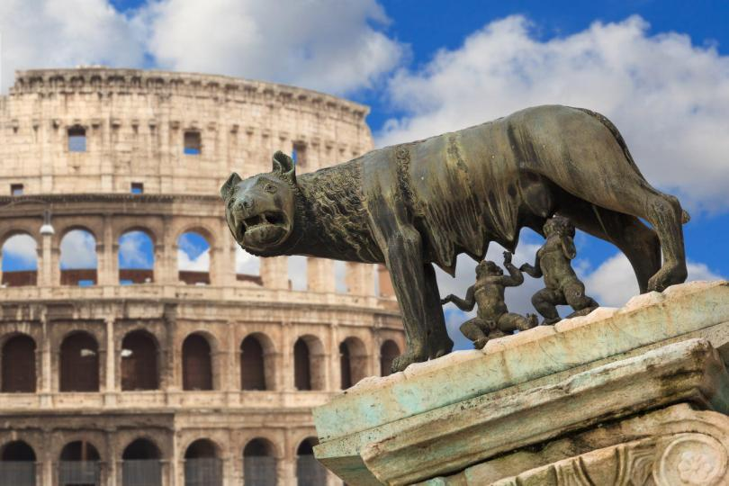 she-wolf rome, Colosseum Italy