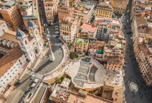 Rome in One Day - Piazza di Spagna and the Spanish Steps in Rome