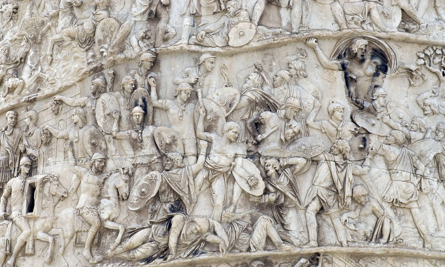 Carving detail, Trajan's Column (in Italian Colonna Traiana) (2)