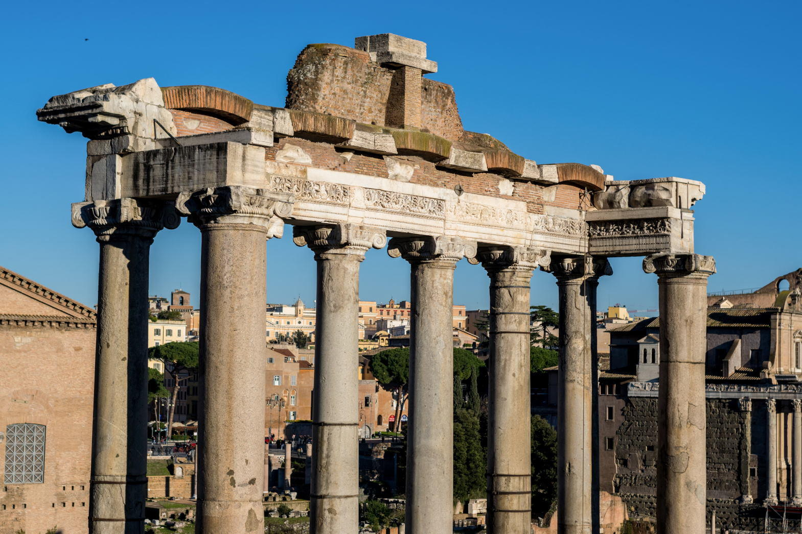 The temple of Saturn from the Capitoline hill.