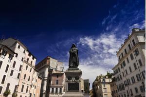 Giordano Bruno statue in Campo de' Fiori square.