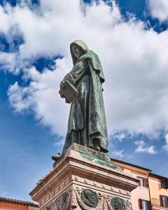 Rome, statue of Giordano Bruno in Campo de Fiori (fields of flower)