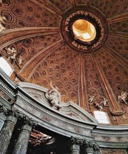 Sant'Andrea alQuirinale - Interior Details