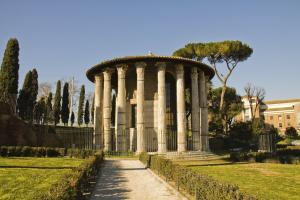 Temple of Hercules Victor in the Forum Boarium, Rome