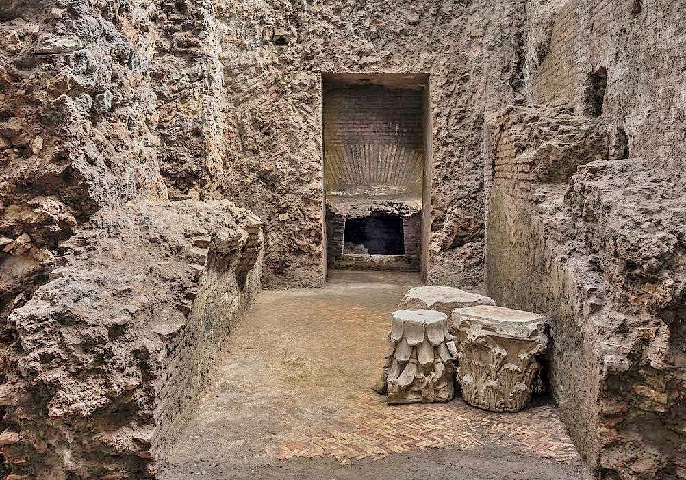 Crypta Balbi - Remains of a private lararium.