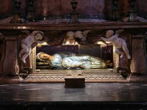 Santa Maria della Vittoria Church, The wax effigy and relics of St. Victoria.