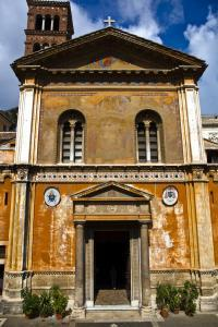Santa Pudenziana's 12th-century façade ivas restored and largely rebuilt in the 19th century, but the beautiful frieze around the doorway is a medieval original