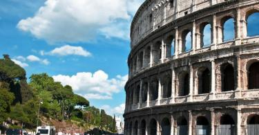 Colosseum & Roman Forum and Palatine Package - Colosseum Spring Time
