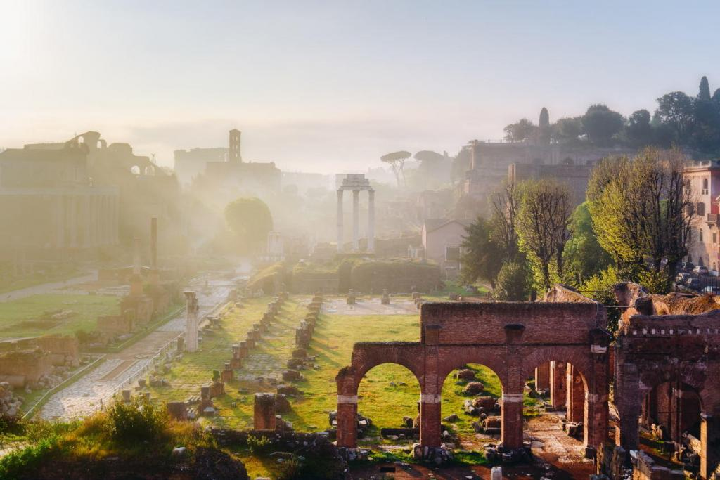 Colosseum and Ancient Rome Walking Tour - Roman Forum, Rome's historic center, Italy