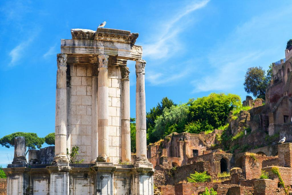 Colosseum and Ancient Rome Walking Tour- Temple of Vesta
