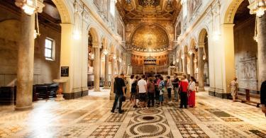 Crypts and Roman Catacombs Small-Group Walking Tour (17)