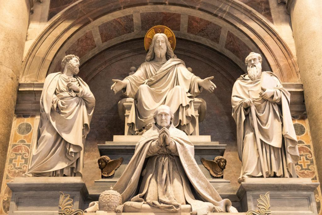Early Entry Vatican Museums and Small-Group Tour with St. Peter's and Sistine Chapel - Horizontal picture of beautiful sculpture inside St Peter's Basilica in Vatican