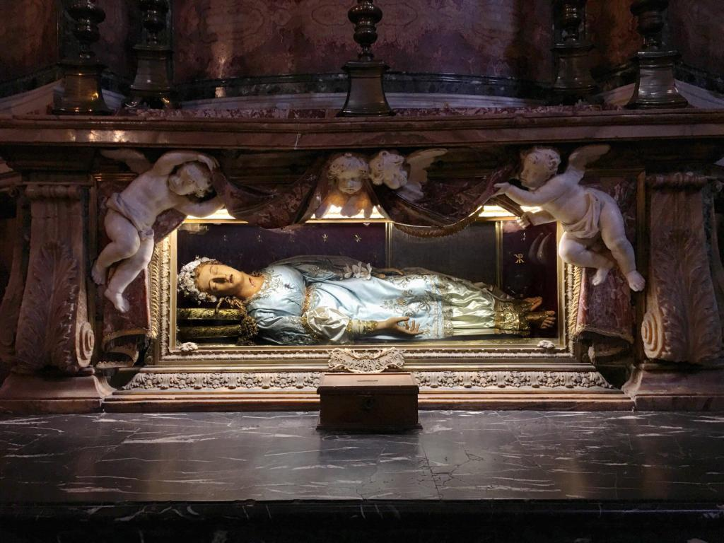Rome Angels and Demons Guided Half-Day Tour - Santa Maria della Vittoria Church, The wax effigy and relics of St. Victoria.