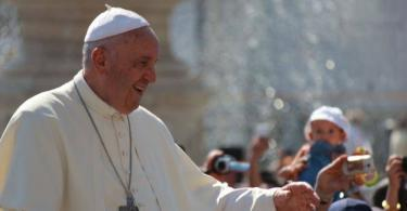 Papal Audience Tickets and Presentation with Guide (6)