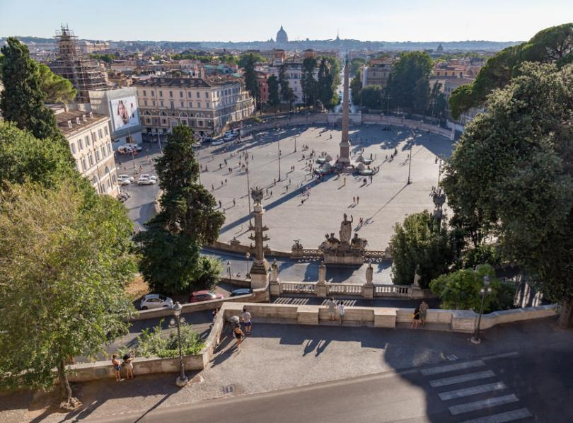 Piazzas of Eternal City Small Group Sunset Tour