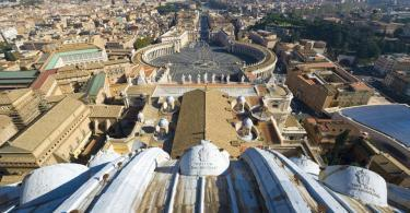St. Peter's Basilica Guided Tour with Dome Climb and Crypt