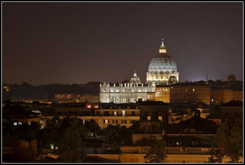 Vatican Museums and Sistine Chapel by Night Guided Tour (