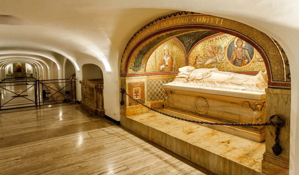 Vatican & St. Peter's Basilica and Vatacombs Tour