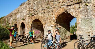 Bike Tour Ancient Appian Way, Aqueducts and Christian Catacombs