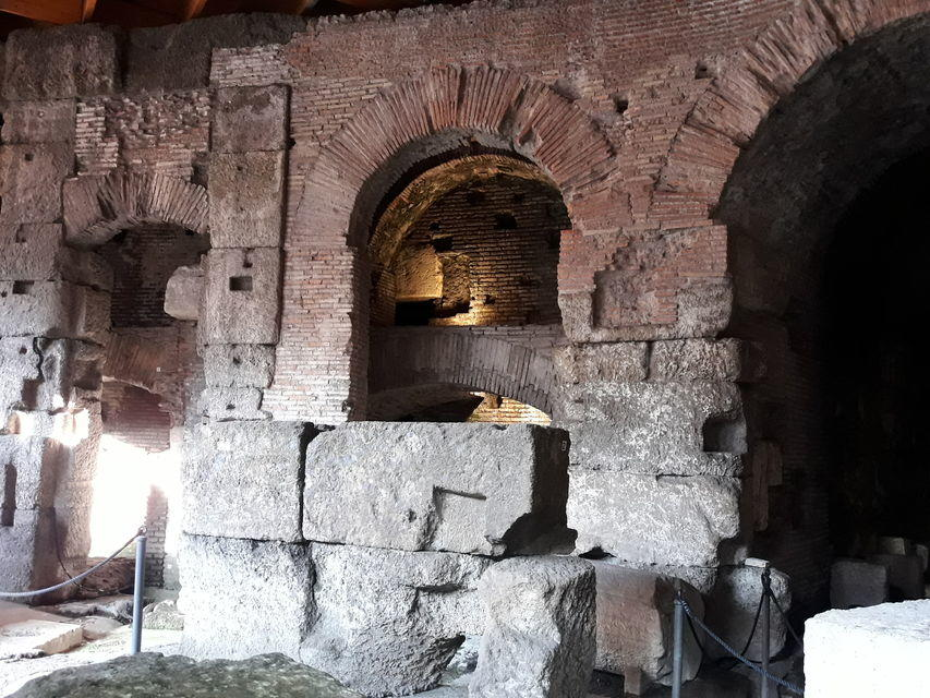 Colosseum Underground Tour by Evening + Aperitif