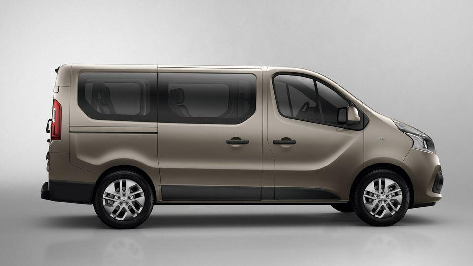 Shuttle from Rome Hotels to Fiumicino Airport with Minivan