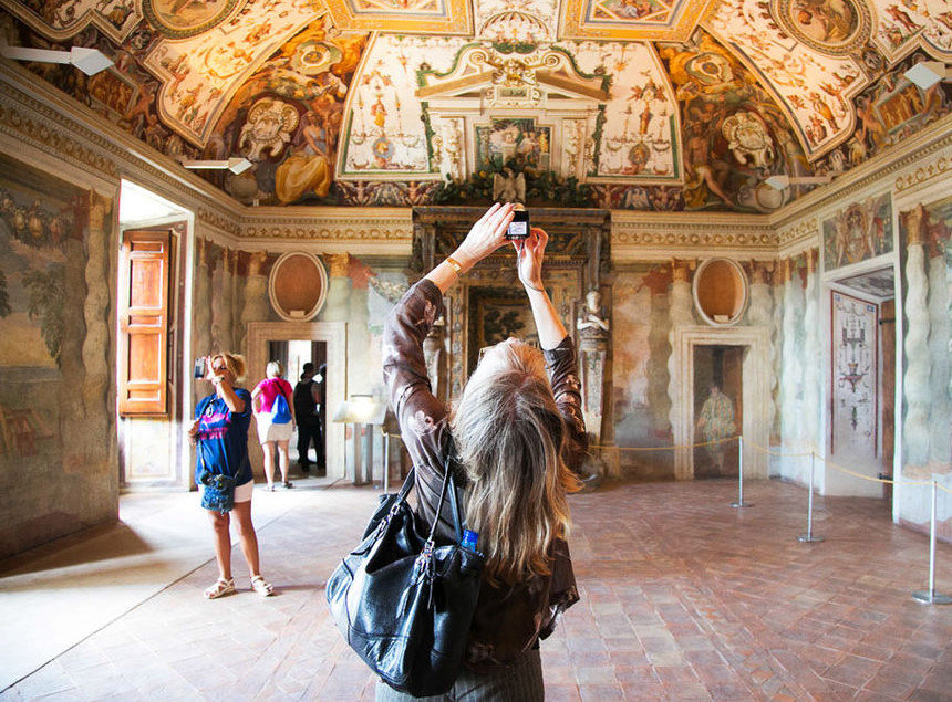 Villa D'Este with Hadrian's Villa Guided Day-Tour