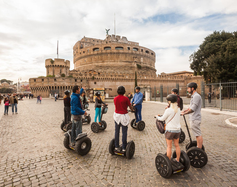 Colosseum to Trevi Fountain Segway Tour