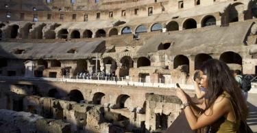Colosseum Underground Tour with Arena and Roman Forum